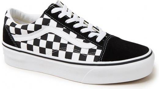 vans old skool trainers in black and red checkerboard