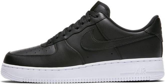 Nike Air Force 1 '07 Sneakers in zwart met witte zool