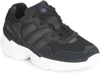 Adidas Yung 1 sneaker met suède details Vindjeschoen.nl